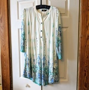 NWOT Gorgeous Silky Tunic with Pockets